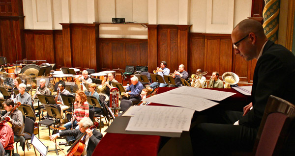 It seemed the majority of audience members on hand were gifted sight readers, following along on scores of their own.